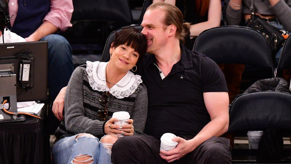 Lily Allen und David Harbour bei einem Spiel der New York Knicks und New Orleans Pelicans