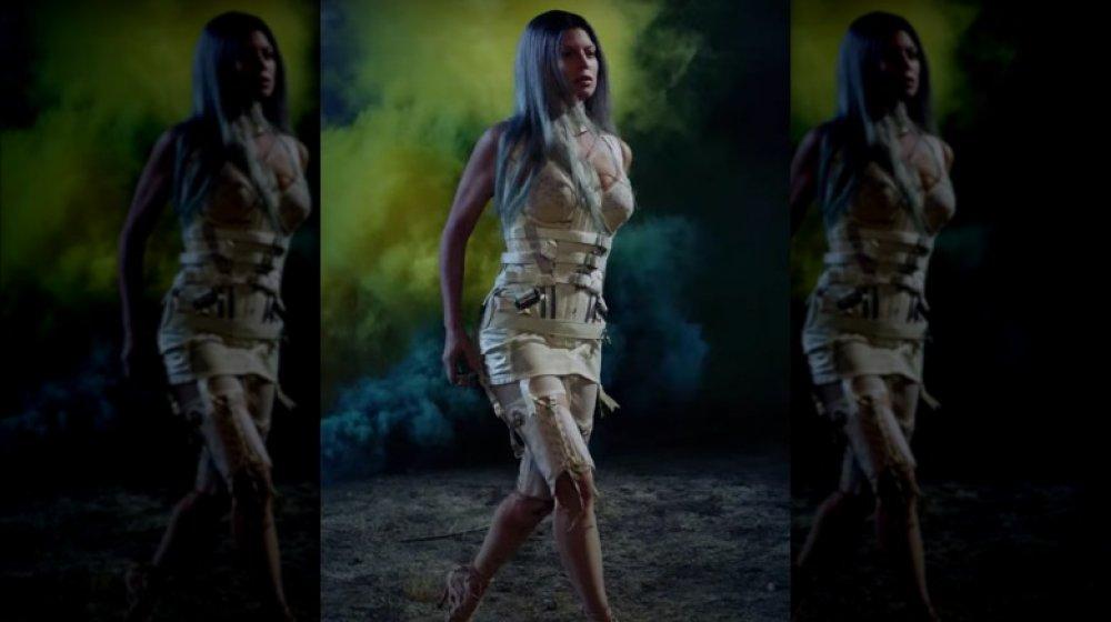 Fergie in ihrem Musikvideo A Little Work