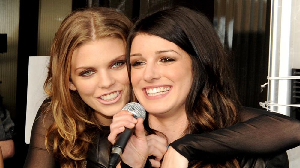 AnnaLynne McCord und Shenae Grimes bei der 90210 Season 5 Wrap Party