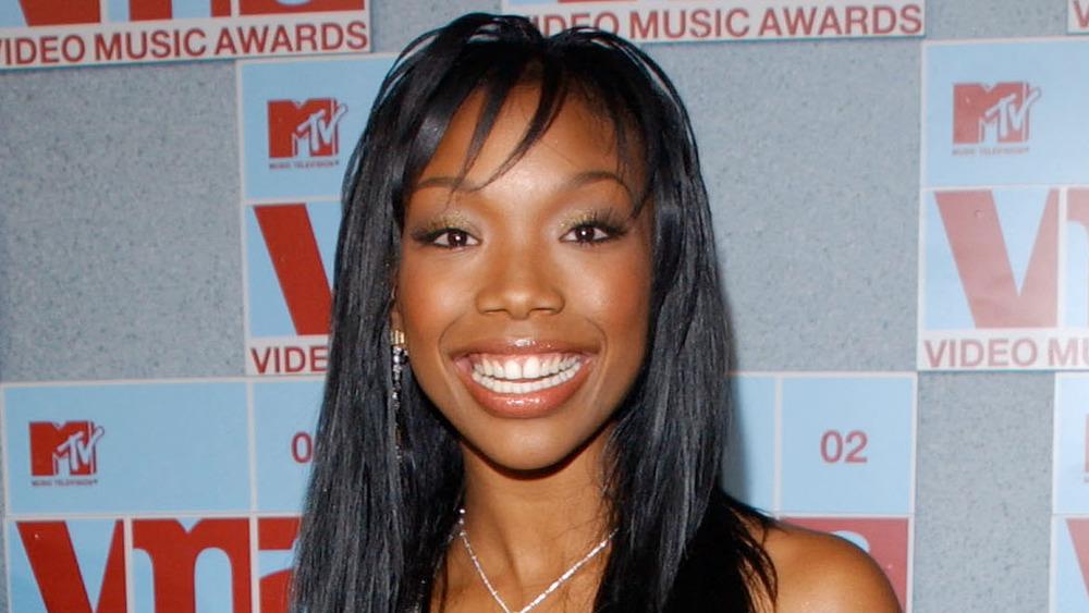 Brandy lächelt groß