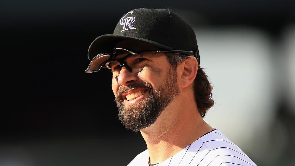 Todd Helton spielt Baseball