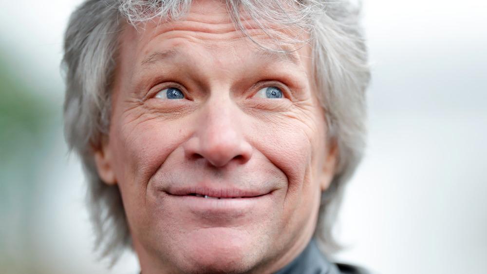 Jon Bon Jovi lächelt
