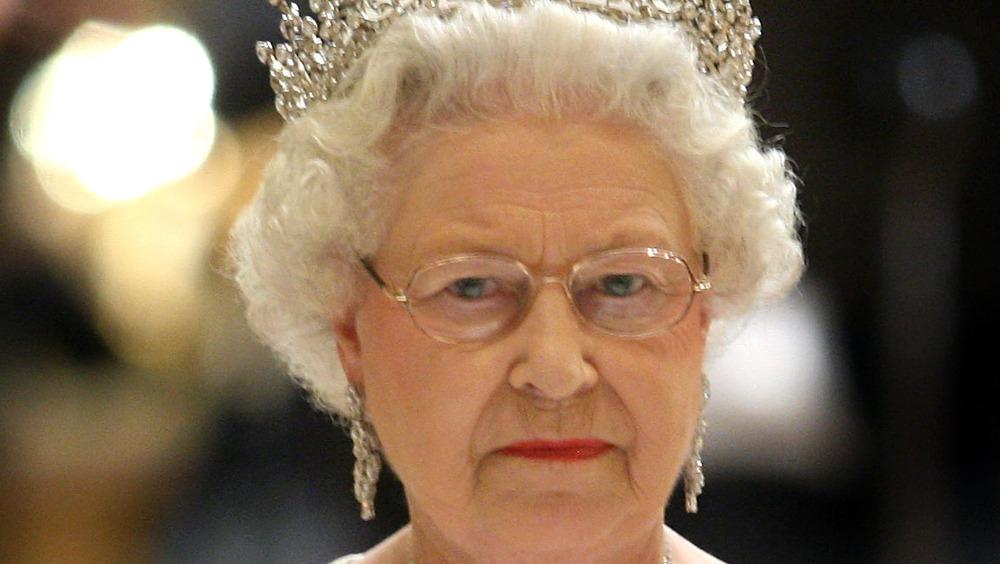 Königin Elizabeth ernst