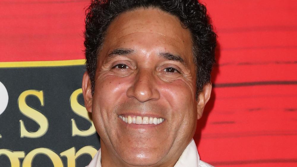 Oscar Nunez lächelt bei einer Veranstaltung