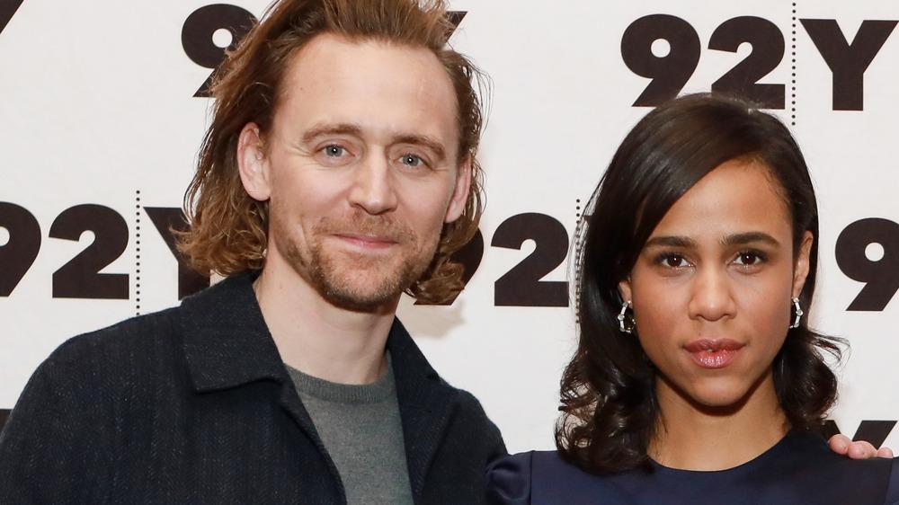 Tom Hiddleston posiert mit Zawe Ashton