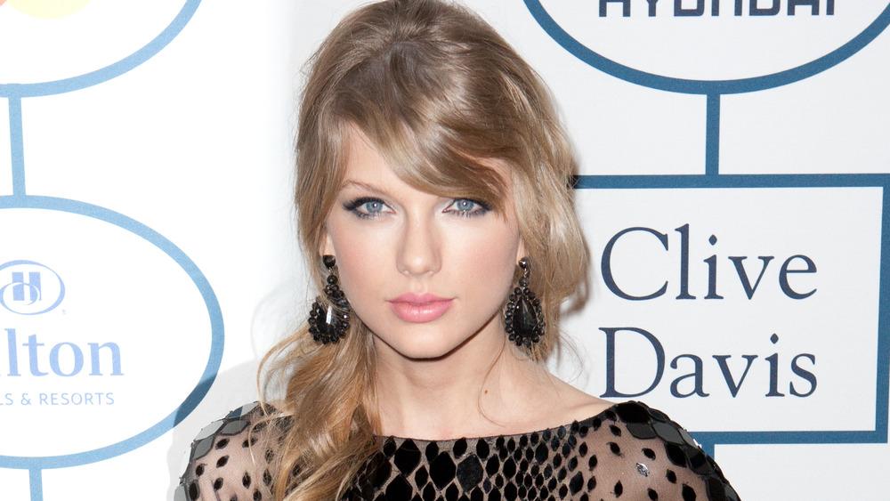 Taylor Swift posiert