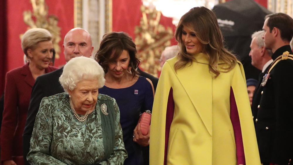Melania Trump im Gespräch mit der Königin
