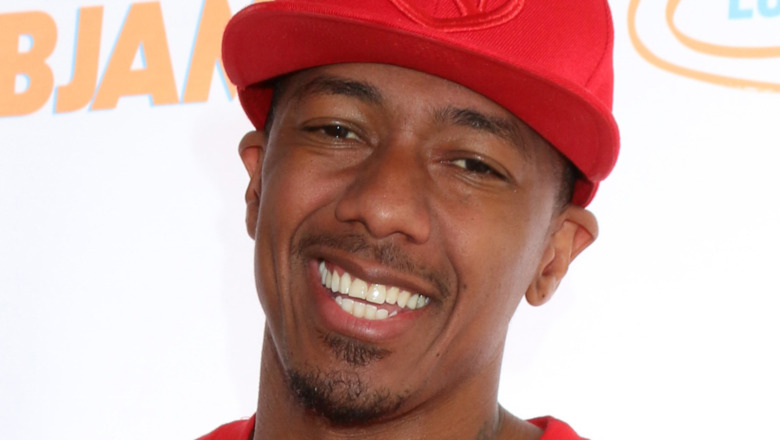 Nick Cannon lächelt