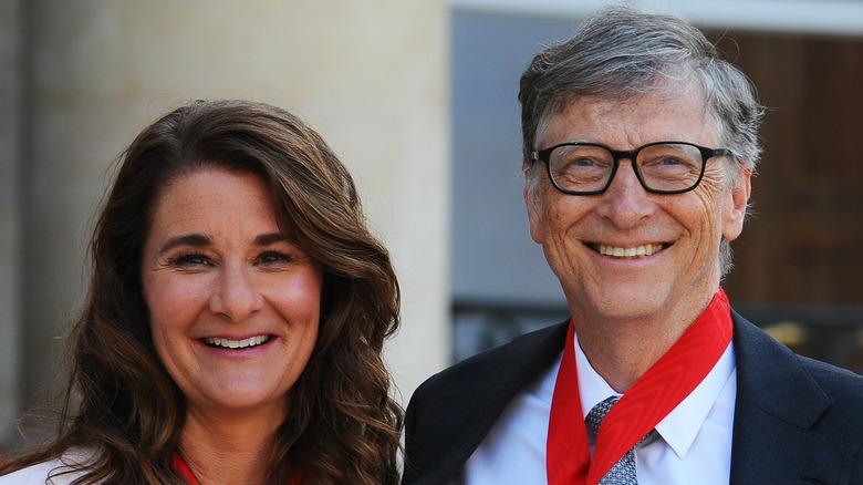 Melinda und Bill Gates lächeln