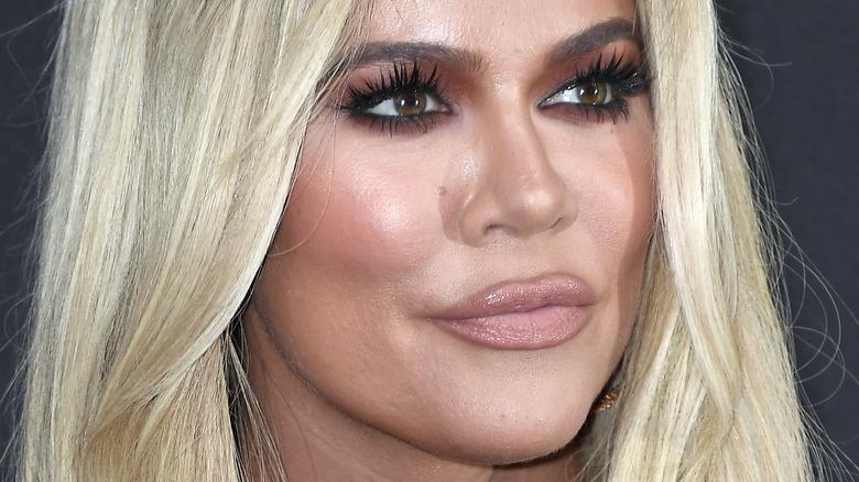Khloé Kardashian schürzte die Lippen