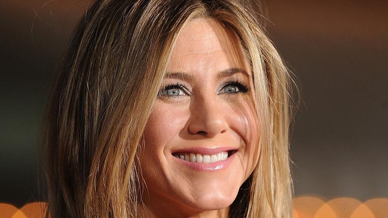 Jennifer Aniston lächelt