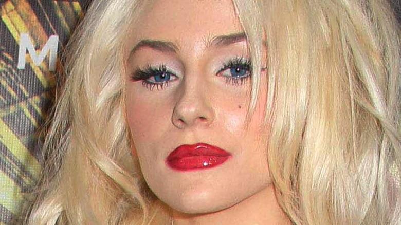 Courtney Stodden trägt roten Lippenstift