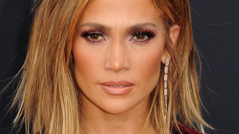 Jennifer Lopez posiert