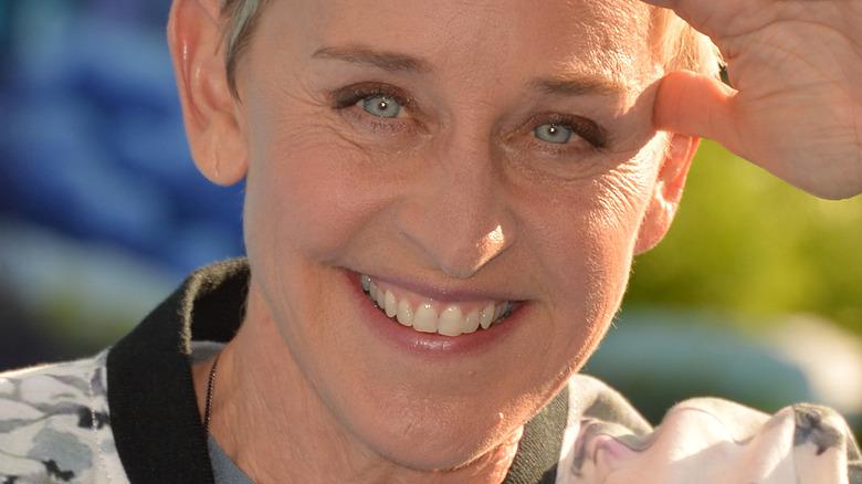 Ellen DeGeneres lächelt