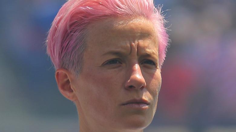 Megan Rapinoe rosa Haare