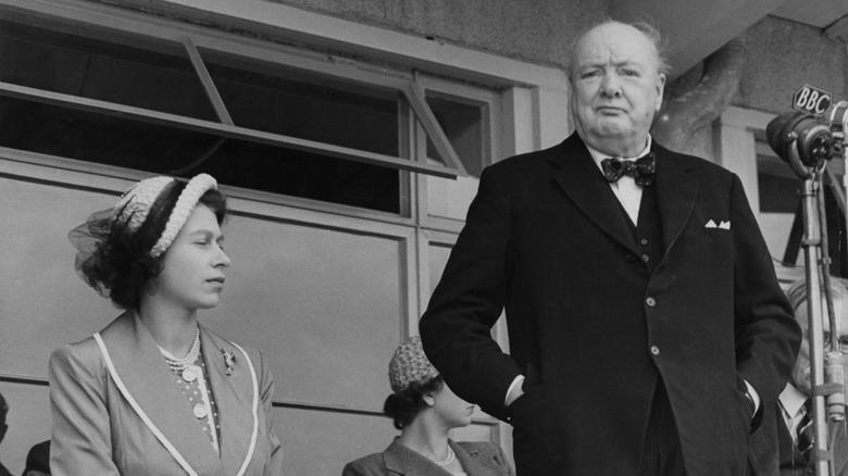 Königin Elizabeth II. und Winston Churchill im Jahr 1965