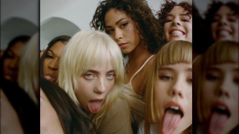 Standbild aus Billie Eilish Musikvideo