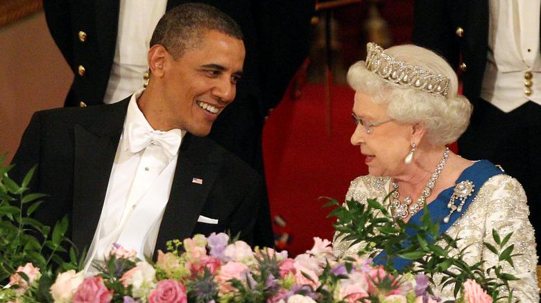 Barack Obama und Queen Elizabeth, beide lächeln