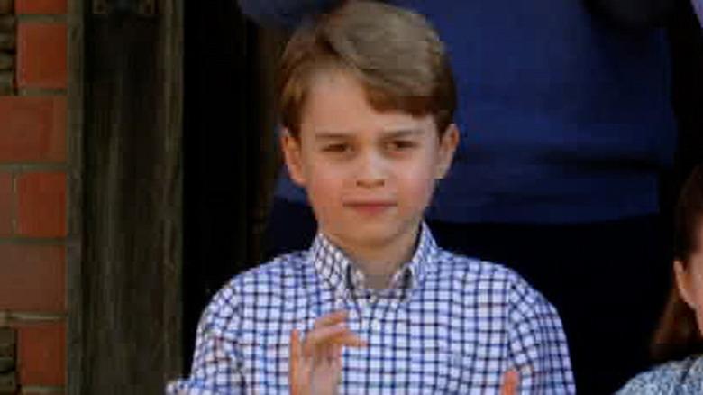 Prinz George klatscht