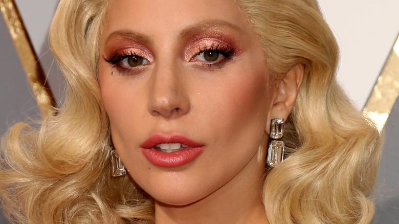 Lady Gaga auf dem roten Teppich bei den Oscars