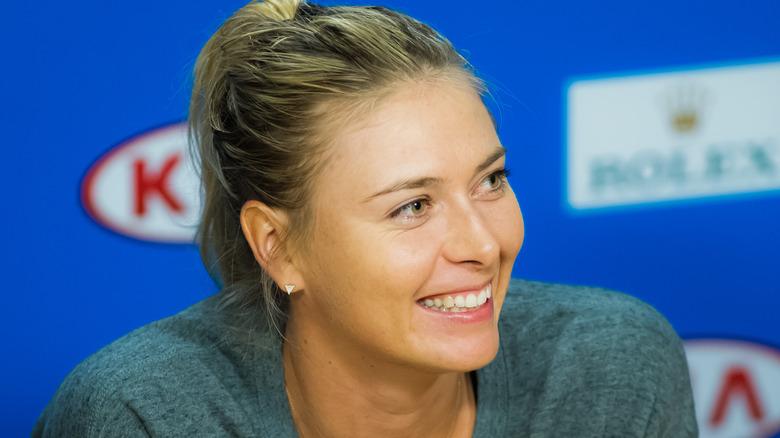 Maria Sharapova lächelt bei einer Veranstaltung