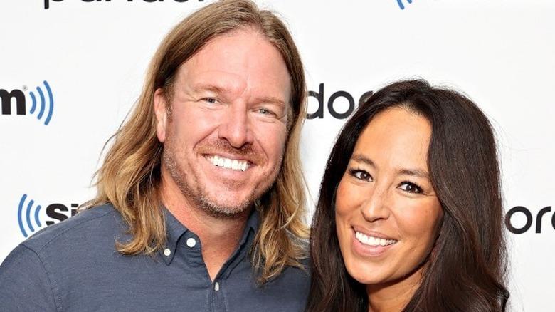 Chip und Joanne Gaines lächeln