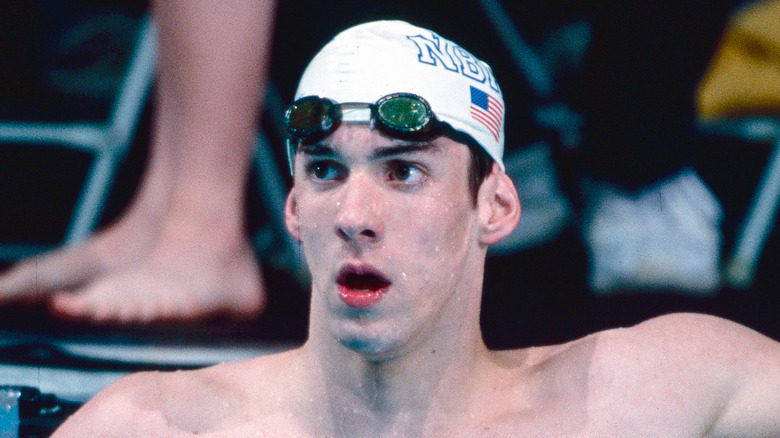 Ein junger Michael Phelps in einem Pool