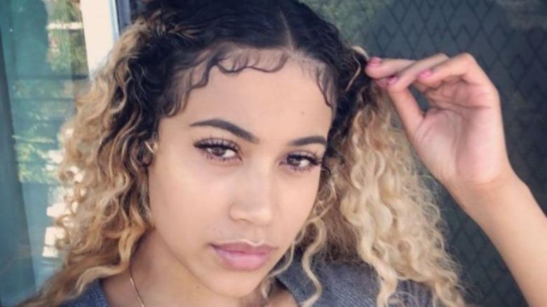 Olivia Sky in einem Selfie