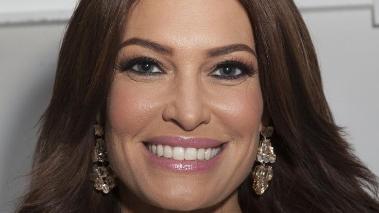 Kimberly Guilfoyle Ohrhänger Lächeln