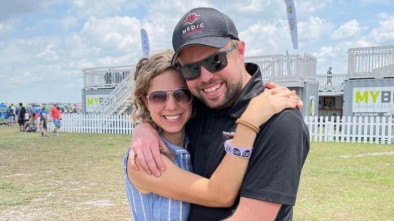 Abbie und John David Duggar bei einer Flugshow