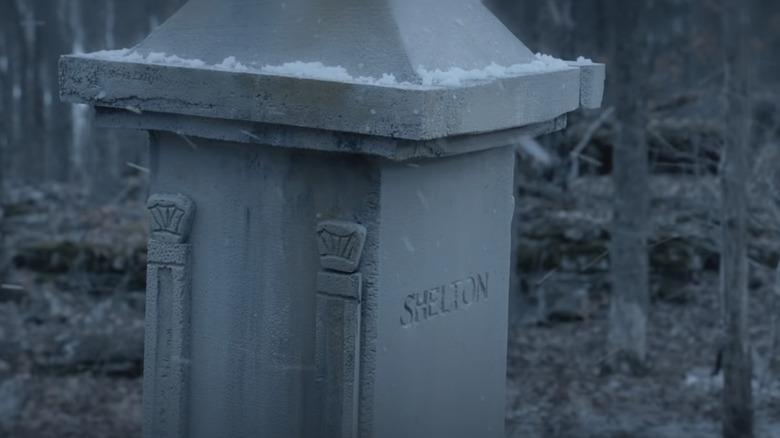 Standbild aus dem Musikvideo 'Over You'.