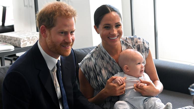 Prinz Harry, Herzog von Sussex, Meghan, Herzogin von Sussex und ihr kleiner Sohn Archie Mountbatten-Windsor treffen Erzbischof Desmond Tutu