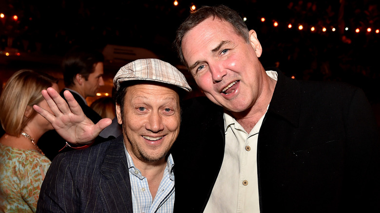 Rob Schneider und Norm Macdonald lächeln