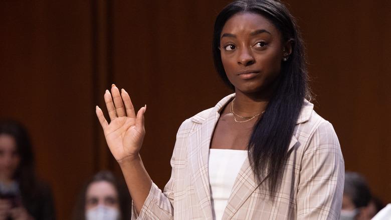 Simone Biles bei der Senatsanhörung