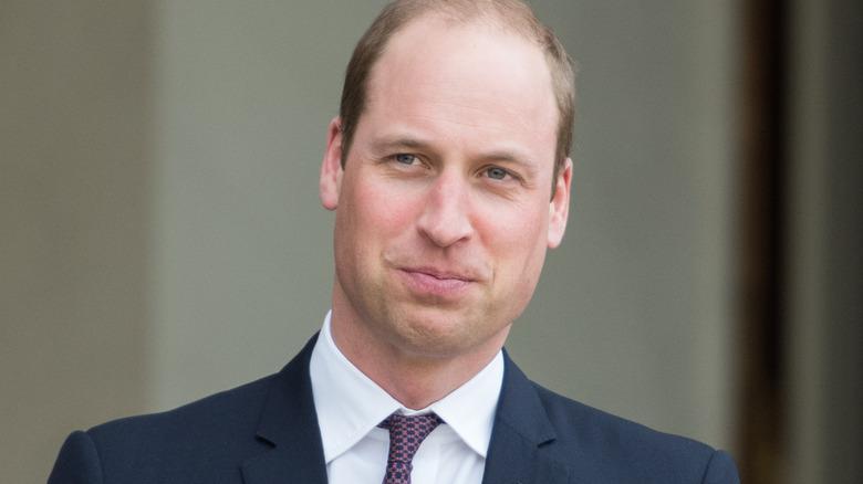 Prinz William posiert