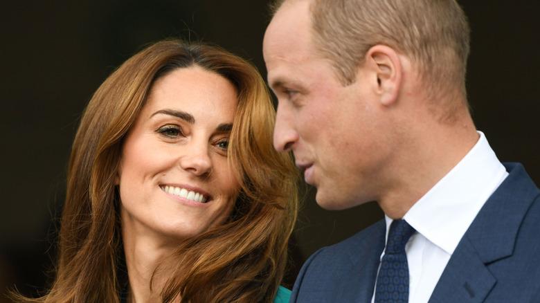 Kate Middleton und Prinz William posieren