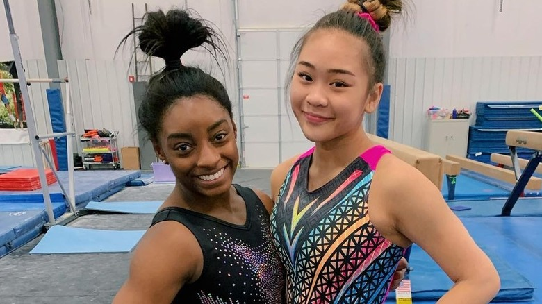 Simone Biles und Suni Lee Fitnessstudio