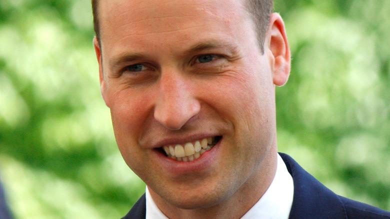Prinz William lächelt